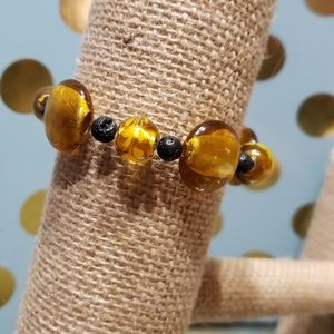 🎯 Vintage Gold Glass Aromatherapy Bracelet